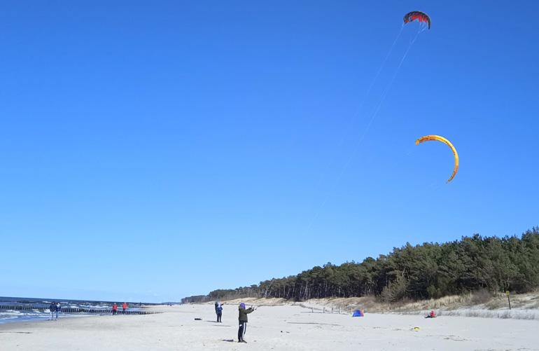 Podstawy kitesurfingu w Dźwirzynie